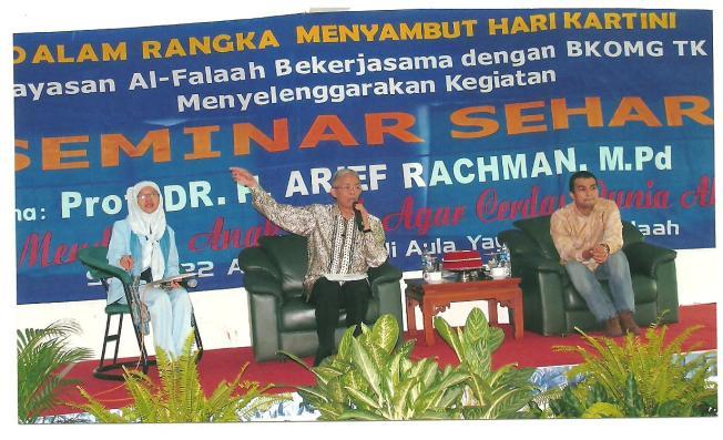 moderator seminar prof. arief rachman